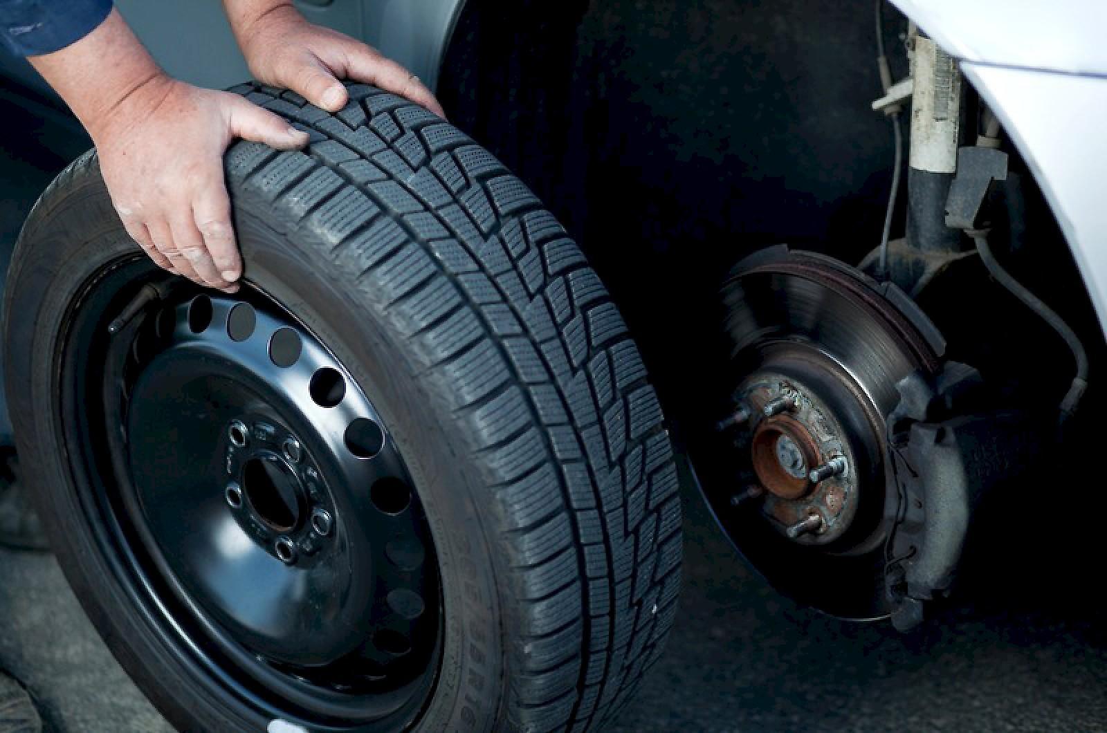 Замена запасного колеса от Professional24